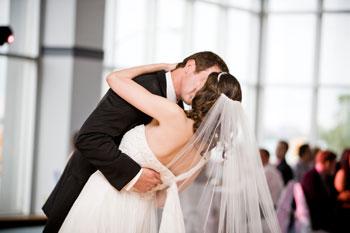 Первый танец молодоженов на свадьбе в Одессе